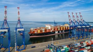 Liebherr Handles The Largest Container Ship In The World