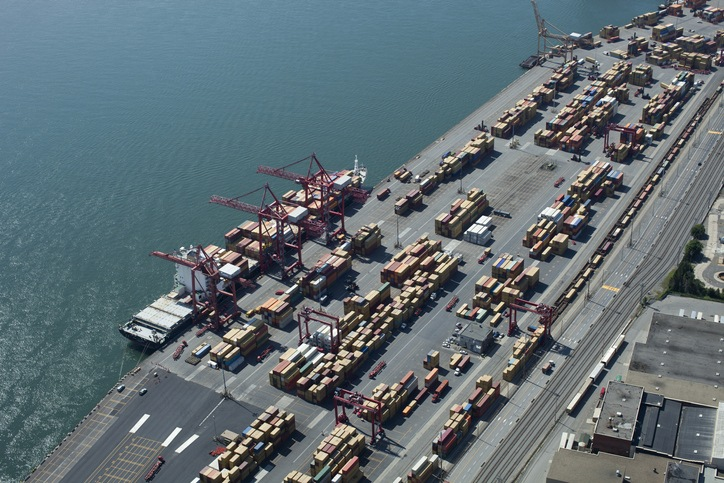 Government approves new Montreal container terminal