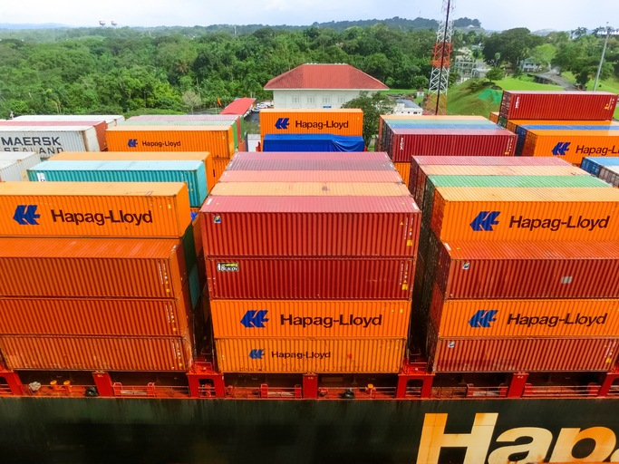 Hapag-Lloyd orders 150,000 new containers