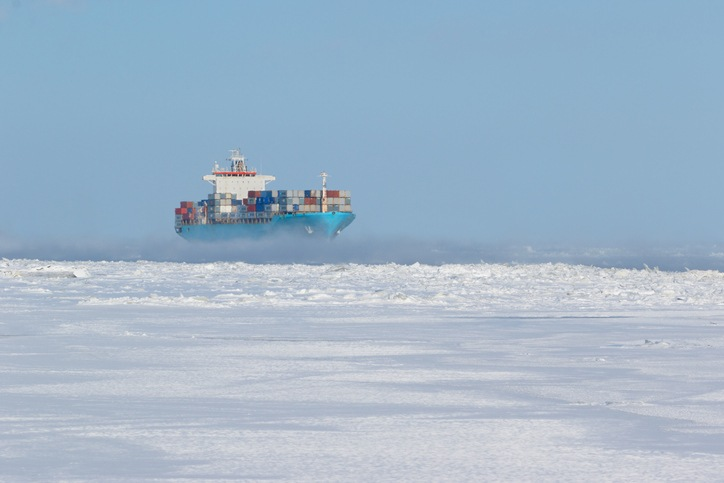 Is the Arctic an alternative to the Suez Canal?
