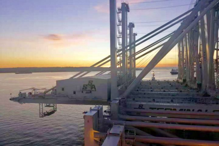 Port of Oakland prepares for arrival of cranes