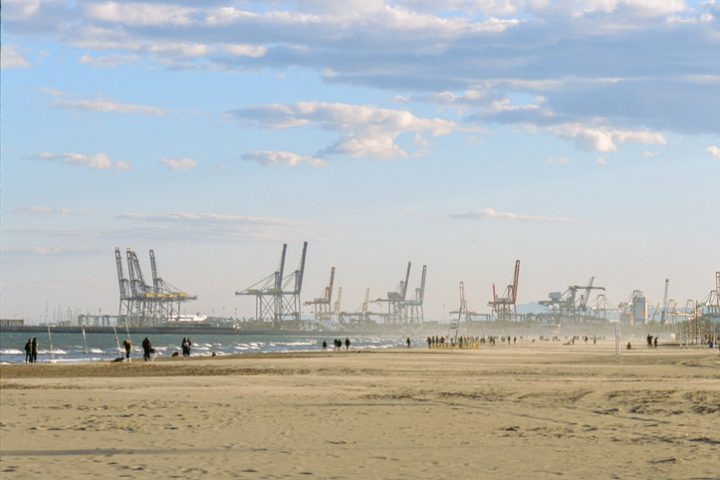 Port of Valencia cuts carbon while managing trade boom
