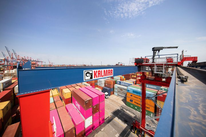 Kalmar signs deal for six RTGs